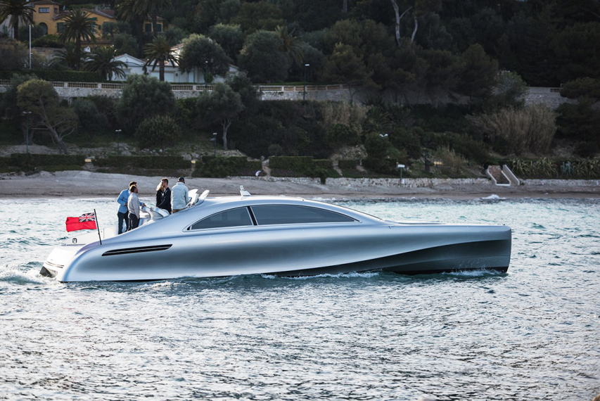 Motor Yacht by Mercedes-Benz Style