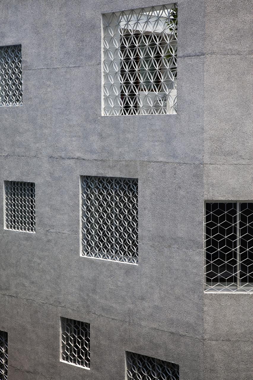 HEM House by Sanuki Daisuke Architects