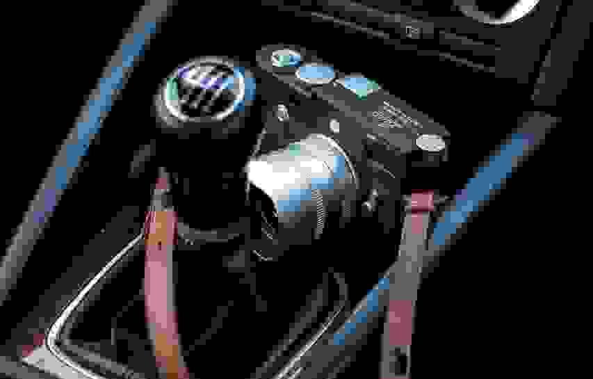 IN VERSE | Leica M10-P