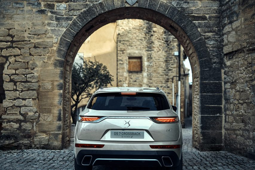 DRIVEN — DS 7 CROSSBACK E-TENSE